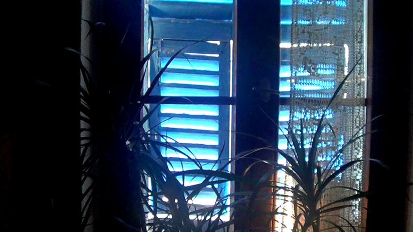 Volets bleu horizontal
